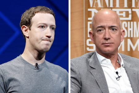 Журнал Forbes назвал главу Facebook «неудачником года» среди миллиардеров. «Победитель года» — основатель Amazon Джефф Безос