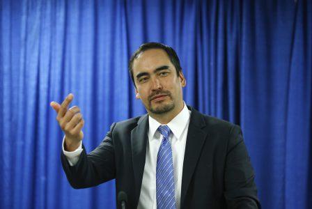 Тим Ву: «Антимонопольному ведомству нужно в первую очередь взяться за Facebook»