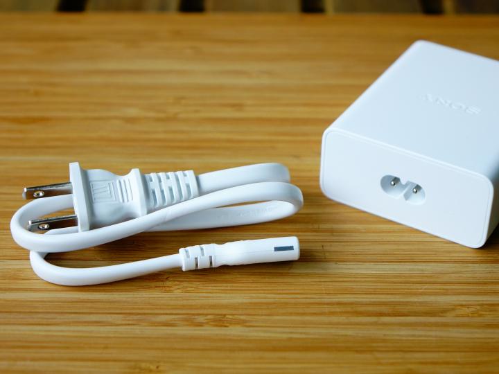 Сони выпустила первое быстрое зарядное устройство