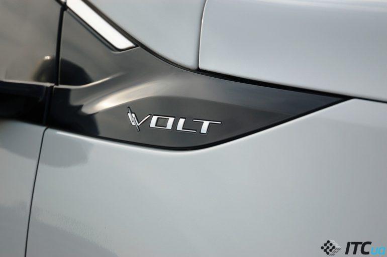 Подзаряжаемый гибрид Chevrolet Volt 2: лучше других, но и дороже других