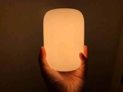 Американская компания Casper представила умную лампу Glow, способную улучшить качество сна
