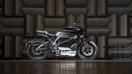 Первый серийный электрический мотоцикл Harley-Davidson появится осенью этого года по цене почти $30 тыс.