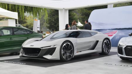 Немцы выпустят ограниченную 50 экземплярами партию электросуперкара Audi PB 18 e-tron, чтобы конкурировать с будущей Tesla Roadster