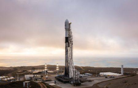 SpaceX произвела первый запуск в 2019 году. На орбиту отправилась финальная партия из десяти спутников связи Iridium NEXT