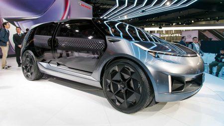 Китайцы привезли в Детройт концепт семиместного электрокроссовера GAC Entranze с прозрачными сдвижными дверями