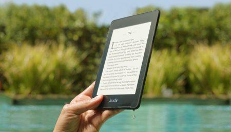 Amazon на один день снизила цены на новейшую водонепроницаемую электронную книгу Kindle Paperwhite до рекордно низких, базовая модель стоит всего $90 [Обновлено: акция закончилась]
