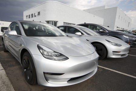 Tesla вот-вот начнет поставки Model 3 в Европу