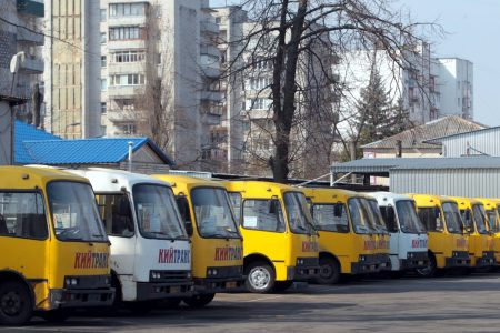 Омелян: маршрутки должны «исчезнуть как класс», а киевский вокзал нужно трансформировать в «общественное пространство»
