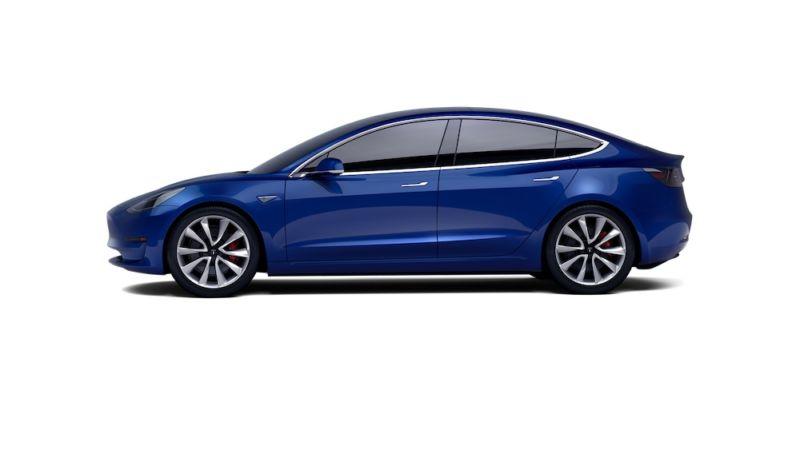 Электромобиль Tesla Model 3 будет целью для хакеров врамках мероприятия Pwn2Own