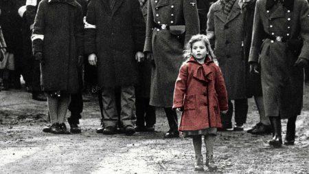 В український прокат виходить фільм «Список Шиндлера» /Schindler's ListСтівена Спілберга