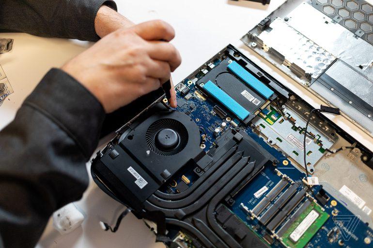 Alienware Area-51m – самый мощный игровой ноутбук на базе настольных комплектующих с поддержкой модернизации системы