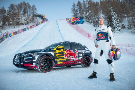 Видео дня: Audi сняла ремейк классической рекламы о лыжном трамплине, заменив седан Audi 100 электрокроссовером Audi e-tron