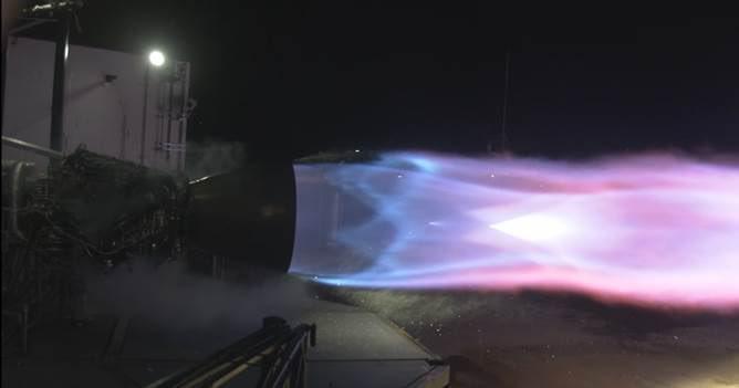 Прототип двигателя Raptor для новых ракет и кораблей SpaceX установил