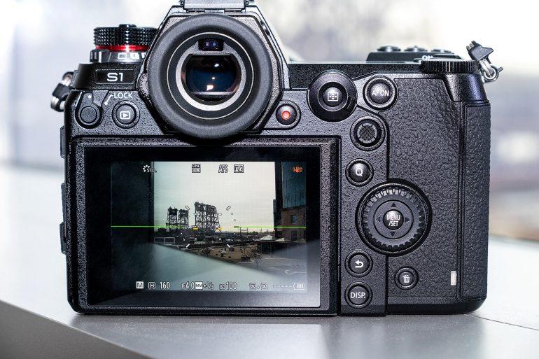 Panasonic анонсировала полнокадровые беззеркальные камеры Lumix S1 и Lumix S1R по цене от $2500