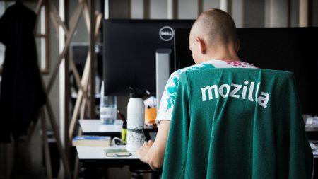 Специалисты Ubisoft совместно с Mozilla разрабатывают помощника программиста на основе ИИ