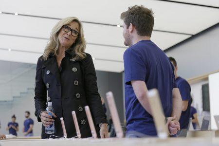 Старший вице-президент по розничной торговле Apple Анджела Арендтс покидает компанию после пяти лет работы