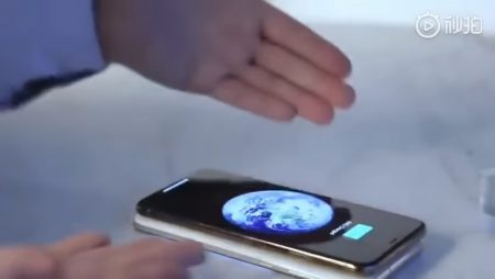 Видео: первый мини-обзор Samsung Galaxy S10 и S10+