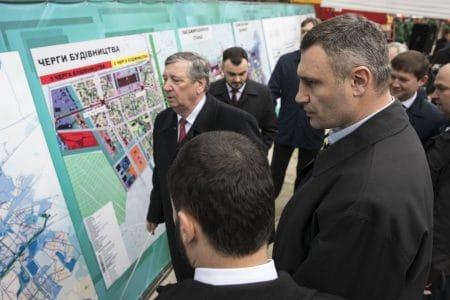 Виталий Кличко показал начало строительства метро на Виноградарь и пообещал открыть первые две станции «Мостицкая» и «Проспект Правды» в конце декабря 2021 года