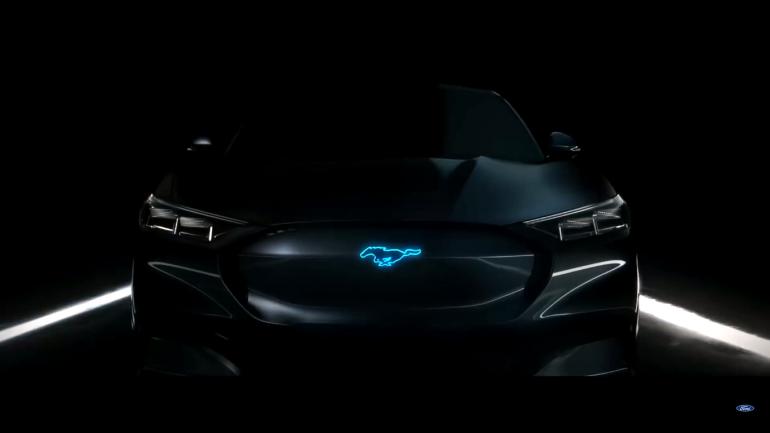 Ford объявил, что его первый электрокроссовер Mach E будет конкурировать с Tesla Model Y и вложил $900 млн в сборочные линии для электромобилей в США и Мексике