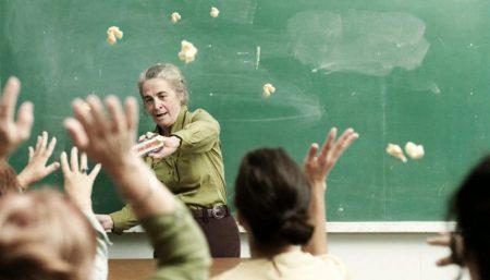 За оскорбления — ответишь! В Украине вынесли первый штраф за травлю учителя