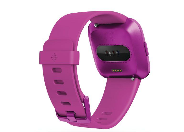 Fitbit выпустил умные часы Versa Lite и трио новых фитнес-браслетов для всей семьи