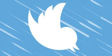 «Нет никаких новых цветных тем, это розыгрыш!». Twitter предостерег пользователей от смены года рождения на 2007-й