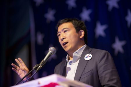 Возможный кандидат в президенты США Эндрю Ян намерен выступать на предвыборных митингах в виде голограммы