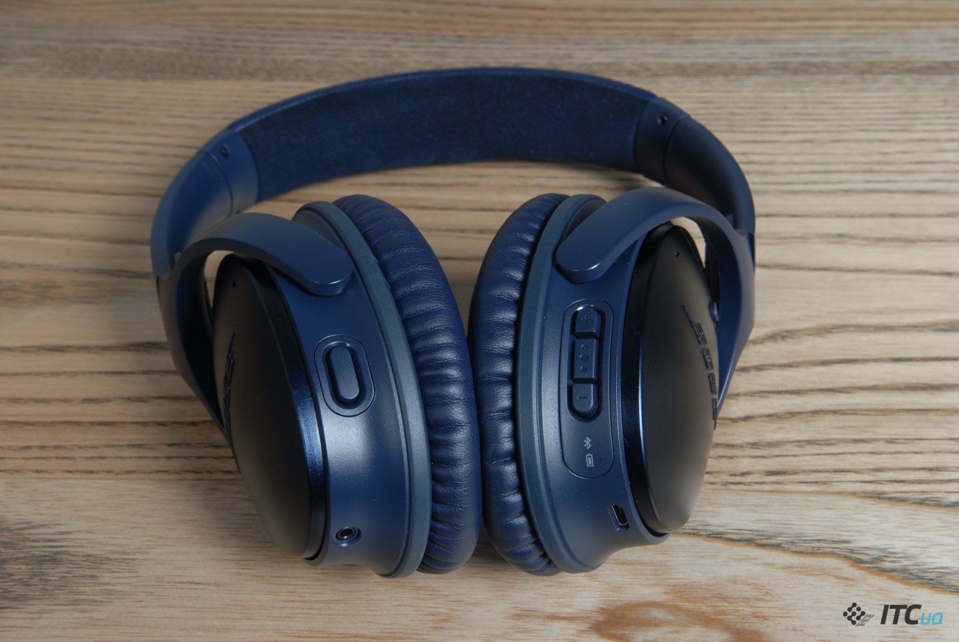 управление Bose QuietComfort 35 II