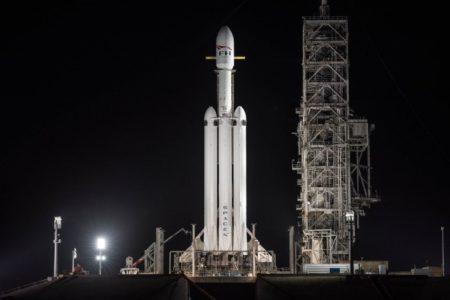 Онлайн-трансляция: первый коммерческий запуск Falcon Heavy с арабским коммуникационным спутником Arabsat 6A