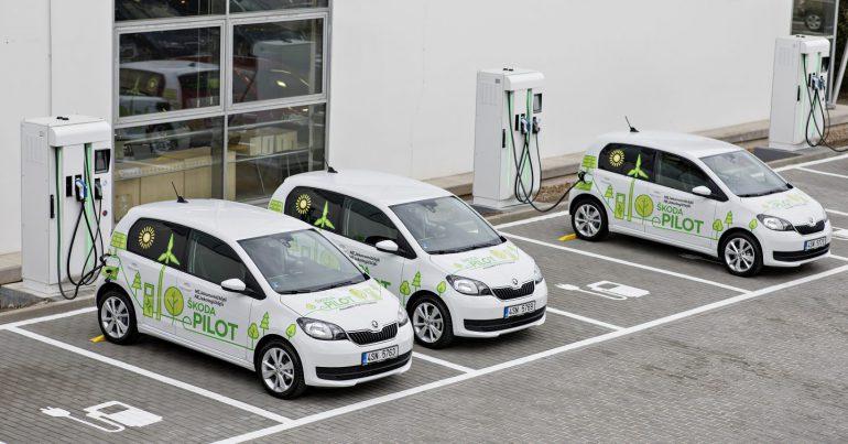 Volkswagen разрабатывает бюджетную платформу MEB entry, которая позволит выпустить на рынок электромобили по цене до 20 тыс. евро. Дебют запланирован на 2023 год, первенцем станет модель от Seat (и/или Skoda)