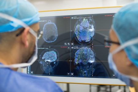 Создано вредоносное ПО, позволяющее редактировать МРТ и КТ (дорисовывать и убирать опухоли) до получения снимка. Врачи не способны выявить следы редактирования