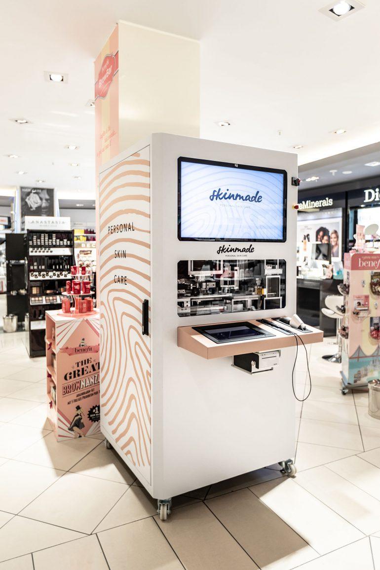 """Стартап Skinmade создал автоматы по производству """"идеальных кремов для лица"""""""