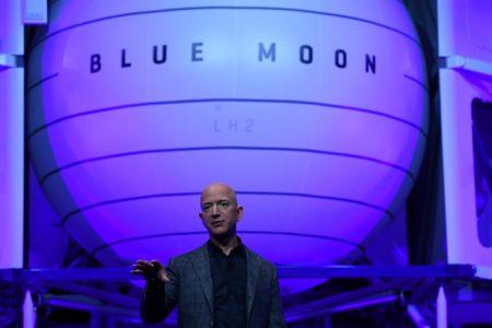 Джефф Безос: «Если мы не начнем постепенно переселяться в космос, в один прекрасный день нам не хватит электроэнергии»