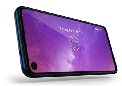 Smartphone Motorola One Vision has a display with a hole and an aspect ratio of 21: 9