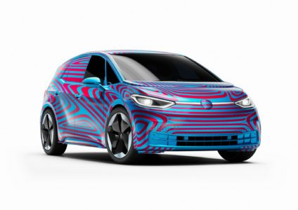 Official: Volkswagen called its first serial electro-electric ID.3 and opened pre-orders. The choice offers batteries for 45, 58 and 77 kWh, the costs of new items start with € 30 thousand.