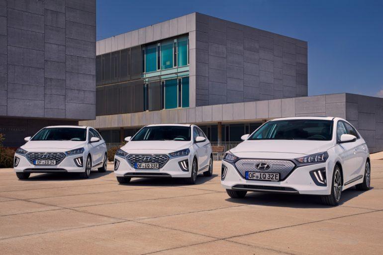 Hyundai обновила электрический хэтчбек Ioniq, улучшив дизайн и увеличив батарею с 28 до 38 кВтч (запас хода вырос до 300 км)