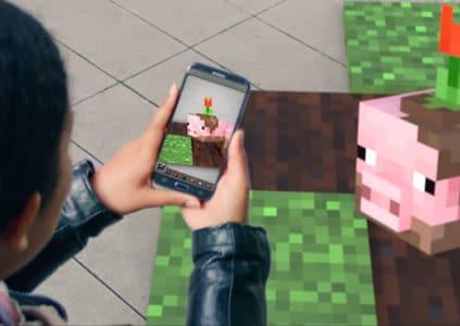 Microsoft намекает на скорый релиз мобильной игры Minecraft в дополненной реальности