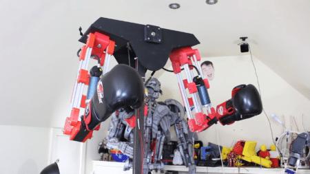 Британские студенты построили робота, предназначение которого — «избивать» людей