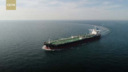 Китайцы показали роботанкер для перевозки нефти
