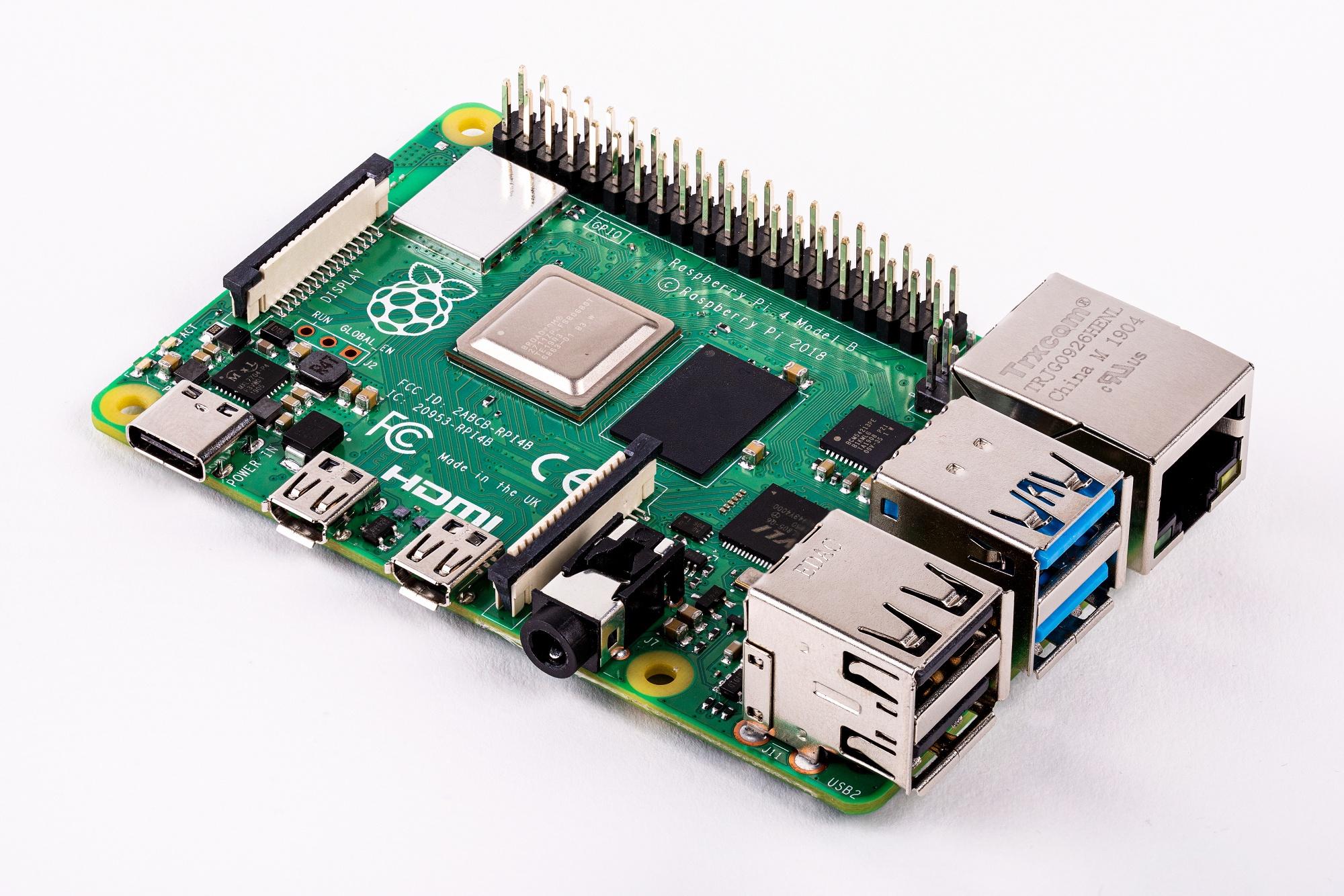 Микрокомпьютер Raspberry Pi4 получил модификацию с4 ГБпамяти LPDDR4