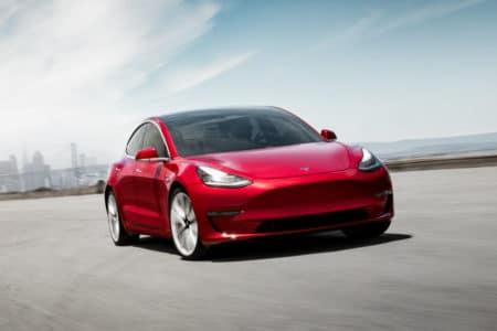 Tesla в ближайшее время ограничит возможности уже проданных электромобилей Model 3 начального уровня (Standard Range)