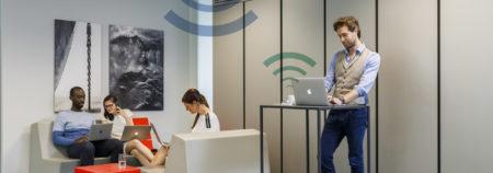 Как Wi-Fi, только светом. Дочерняя компания Philips Hue представила интернет-лампочки, способные передавать данные со скоростью 250 Мбит/с