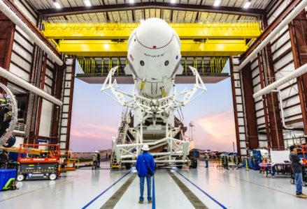SpaceX назвала причину взрыва корабля Crew Dragon на апрельских испытаниях