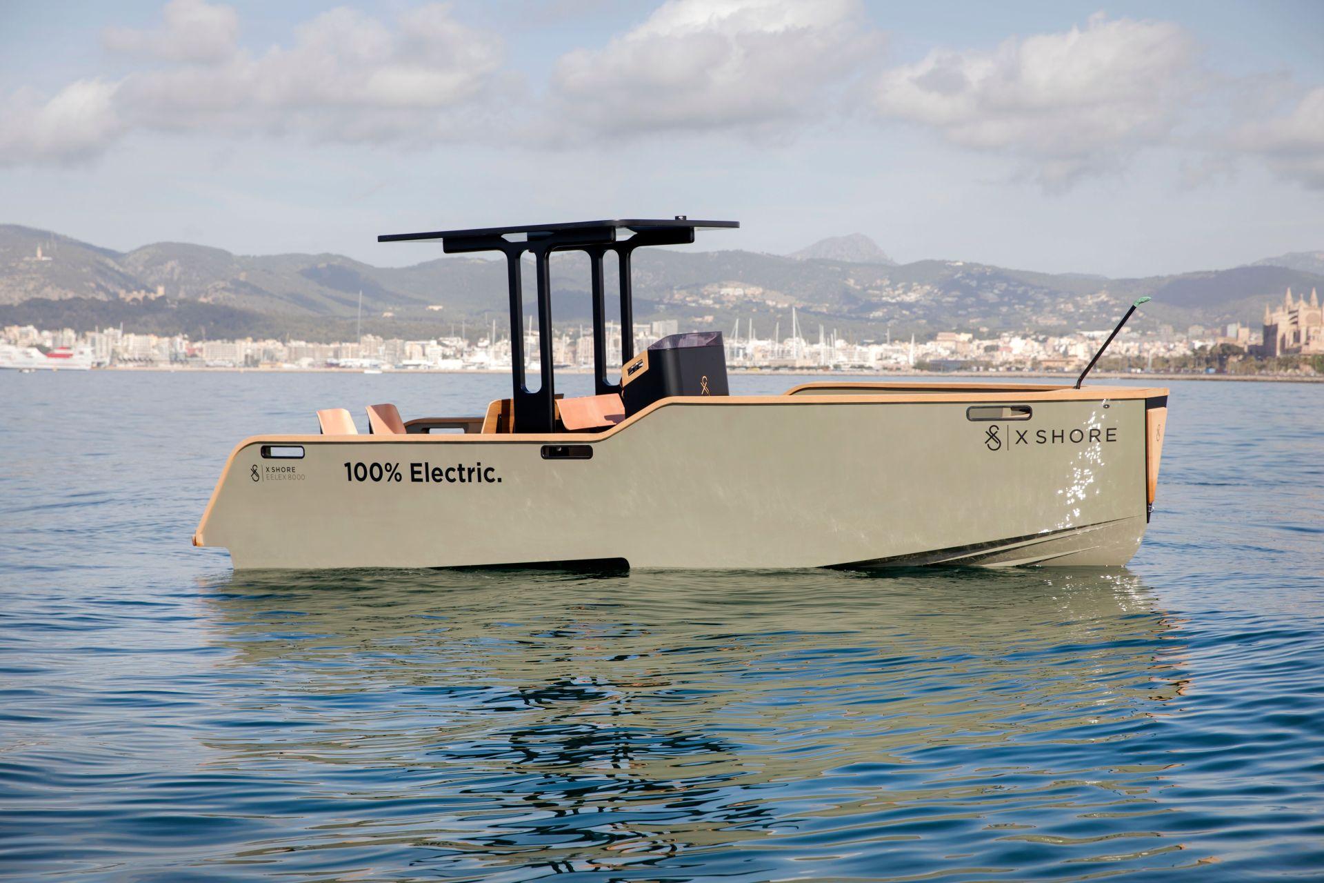 Шведский стартап X Shore представил электролодку Eelex 8000, которую окрестил «водоплавающей Tesla»