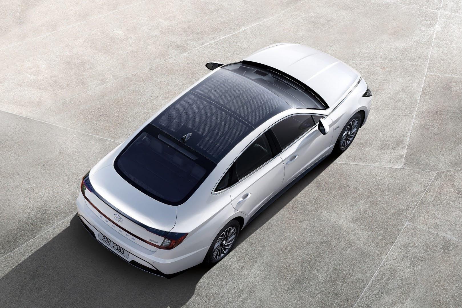 Новая Sonata Hybrid 2020 получила солнечные панели на крыше