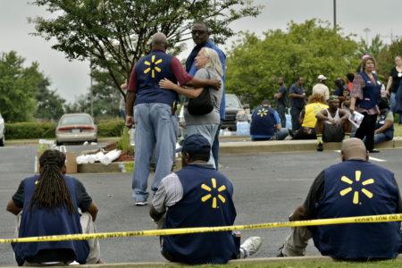 Руководство Walmart распорядилось убрать из магазинов сети любые рекламные упоминания о жестоких играх