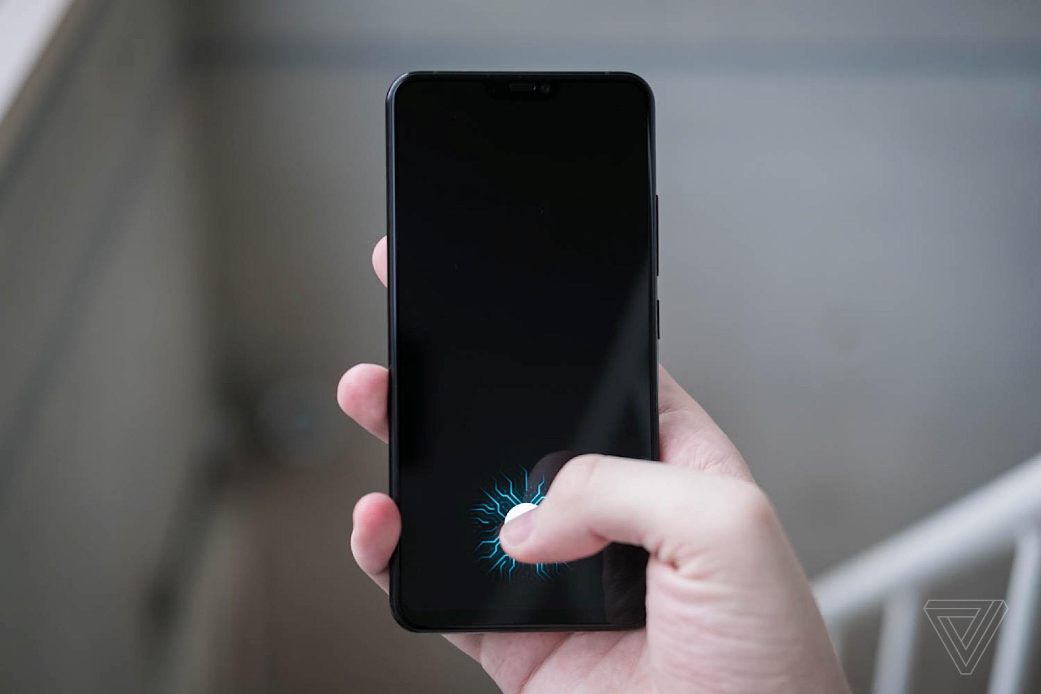 ВiPhone 13 появится FaceID иTouchID под стеклом