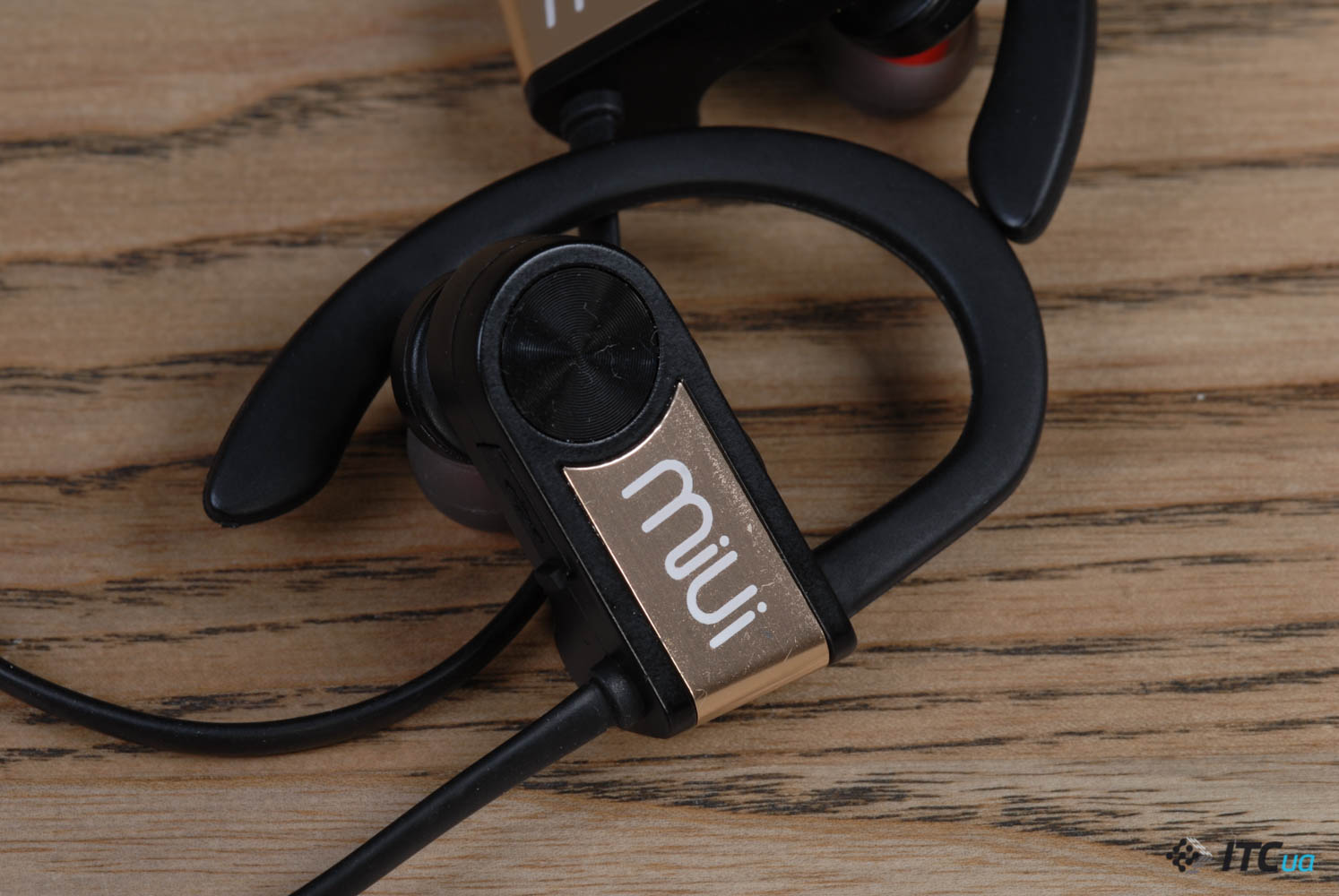 MiUi Wireless Sports Headphones Gold BT06