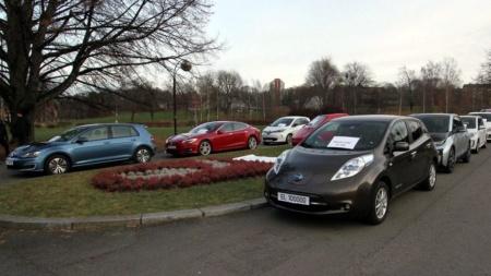 Каждый пятидесятый автомобиль, проданный в Западной Европе за последние 12 месяцев, был полностью электрическим