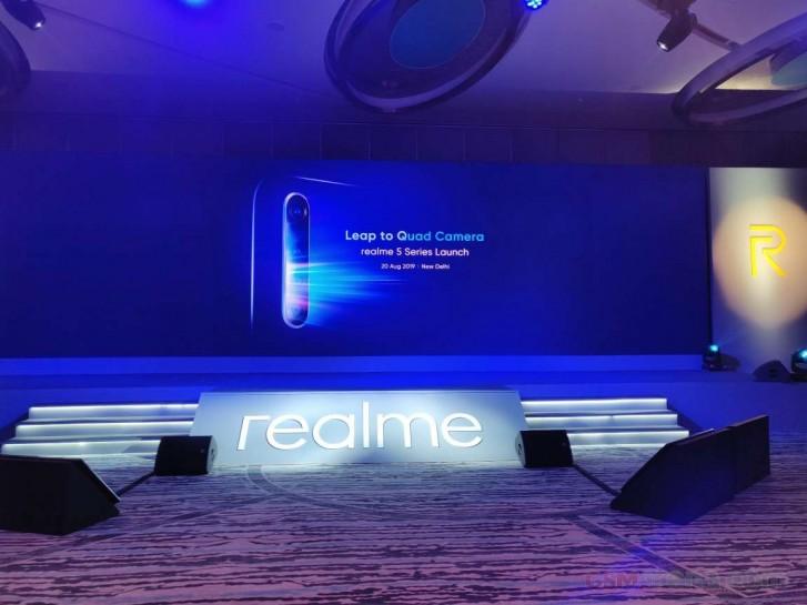 Анонсированы смартфоны Realme 5 и Realme 5 Pro с 4 камерами и новыми чипсетами